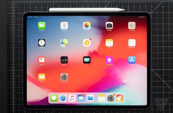 苹果首次允许用户在 iPad 主屏幕上调整应用图标大小