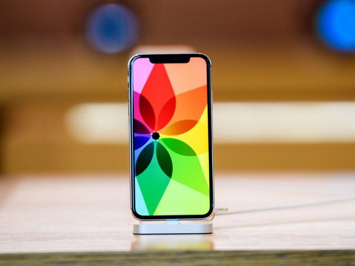 DSCC:苹果将是今年全球 OLED 面板最大买家,预计支出 98 亿美元
